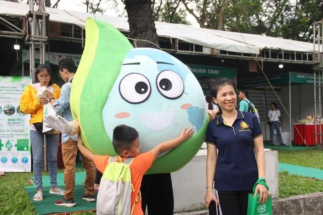 LOTTE Mart tham dự lễ ra quân phong trào chống rác thải nhựa - 3