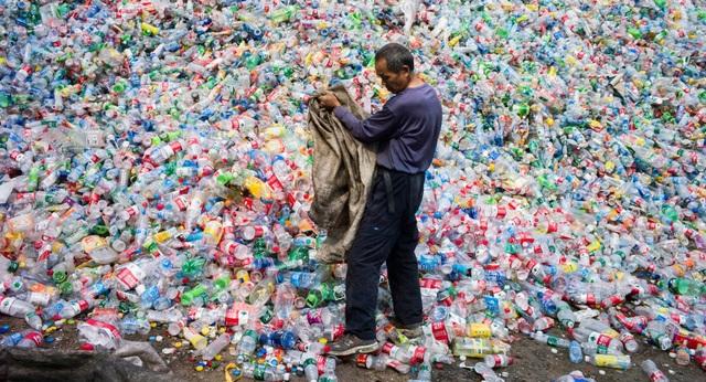 Các nhà khoa học đánh giá mức độ vi hạt nhựa mà chúng ta nuốt vào cơ thể - 1