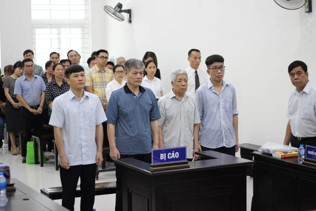 Bị triệu tập, Hà Văn Thắm vắng mặt tại phiên xử cựu Chủ tịch Vinashin - 1