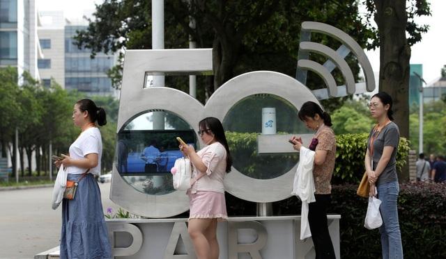 """Mỹ tấn công """"đầu rồng"""" Huawei, thủ phủ công nghệ Trung Quốc điêu đứng - 3"""