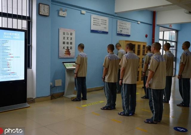Đi tù vẫn thoải mái shopping online ở Trung Quốc - 1