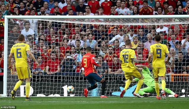 Tây Ban Nha 3-0 Thụy Điển: Ramos, Morata lập công - 10