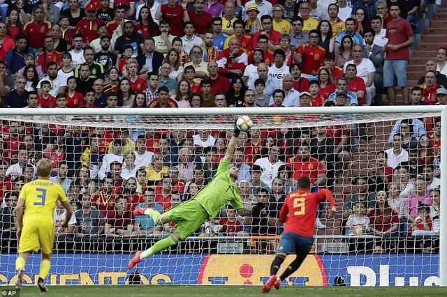 Tây Ban Nha 3-0 Thụy Điển: Ramos, Morata lập công - 13