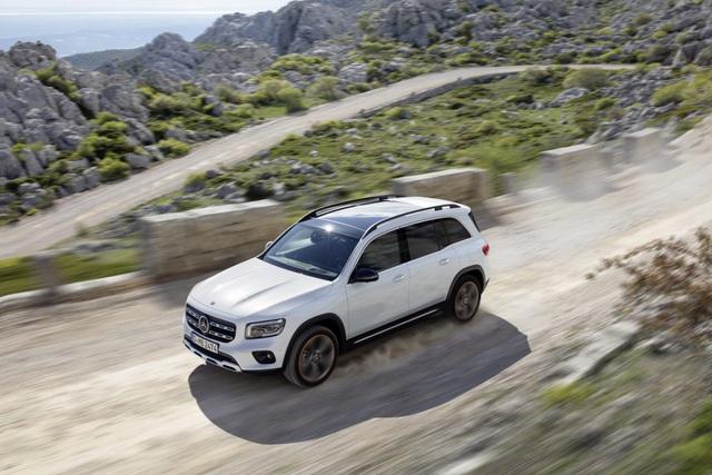 Mercedes-Benz nhỏ giọt thông tin về mẫu crossover 7 chỗ GLB - 15