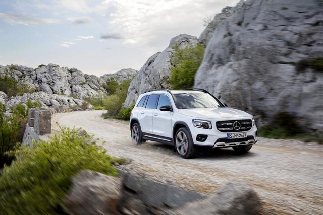 Mercedes-Benz nhỏ giọt thông tin về mẫu crossover 7 chỗ GLB - 11
