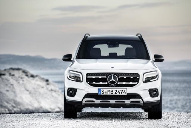 Mercedes-Benz nhỏ giọt thông tin về mẫu crossover 7 chỗ GLB - 2