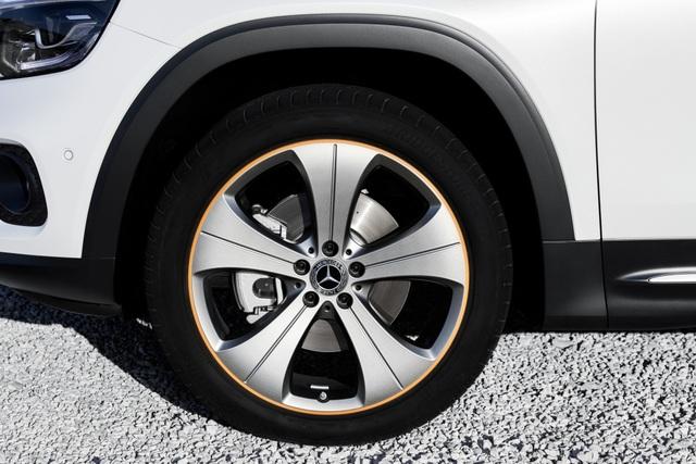 Mercedes-Benz nhỏ giọt thông tin về mẫu crossover 7 chỗ GLB - 5
