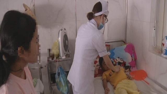 Đắk Lắk: Phẫu thuật tạo hình chuyển giới thành công cho bé gái 5 tuổi - 2