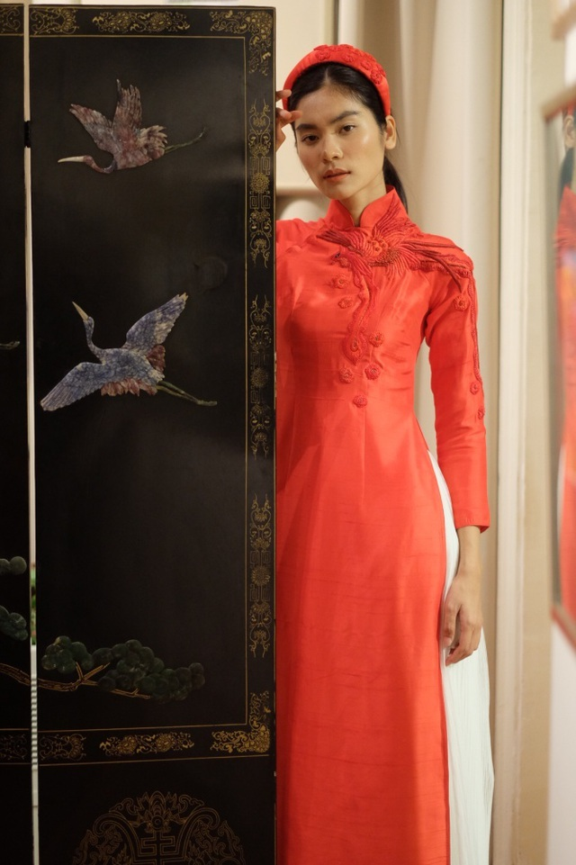 Rực rỡ áo dài Việt Nam, những mẫu thời trang đỉnh cao thu hút công chúng Nga - 11