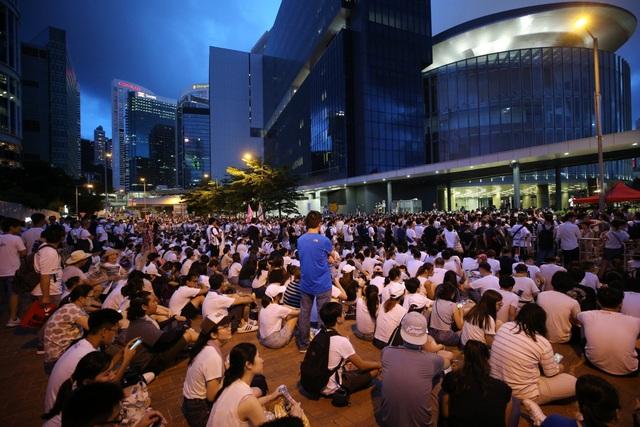 5.000 cảnh sát Hong Kong chuẩn bị đối phó biểu tình phản đối dự luật dẫn độ - 1