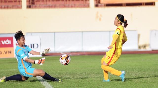 TPHCM giành chiến thắng đậm tại giải bóng đá nữ vô địch quốc gia 2019 - 1