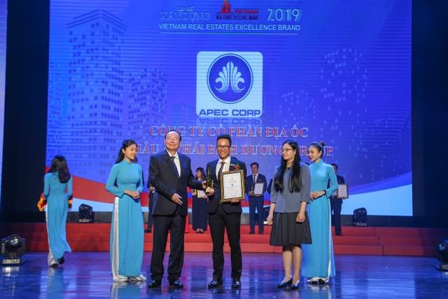 APEC CORP vinh dự là top 10 thương hiệu bất động sản xuất sắc năm 2019 - 1
