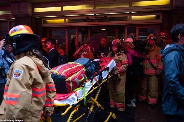 Trực thăng đâm nóc cao ốc, người New York lo sợ kịch bản khủng bố 11/9 - 7