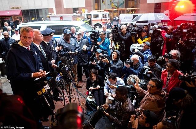 Trực thăng đâm nóc cao ốc, người New York lo sợ kịch bản khủng bố 11/9 - 8