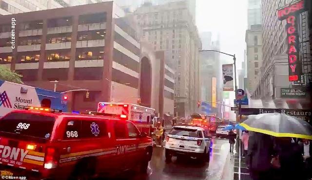 Trực thăng đâm nóc cao ốc, người New York lo sợ kịch bản khủng bố 11/9 - 9