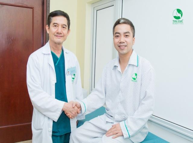 Bàn tay vàng phẫu thuật tiết niệu tâm đắc với cách chữa sỏi thận, tiết niệu mới - 3