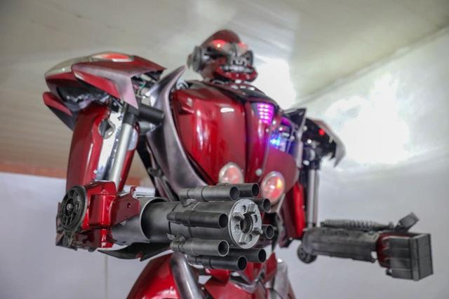 Nhóm thanh niên Hà Nội làm robot như trong phim từ phế liệu - 11