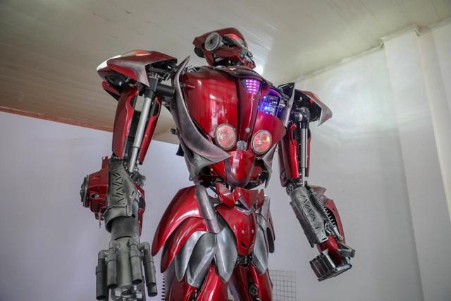 Nhóm thanh niên Hà Nội làm robot như trong phim từ phế liệu - 3