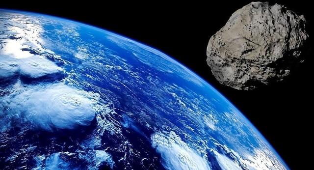 Các nhà khoa học cảnh báo một tiểu hành tinh khổng lồ có thể tấn công Trái Đất - 1