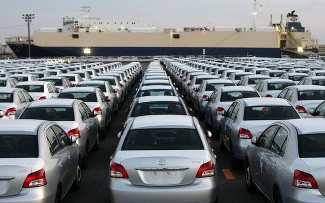 Xe nhập tiêu thụ tăng kỷ lục 200%, xe nội suy thoái, giảm đà tăng trưởng - 1