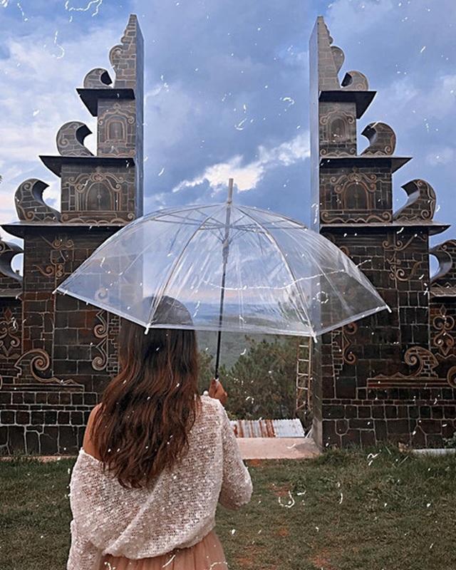 Cổng trời Bali xuất hiện ở Đà Lạt gây tranh cãi trái chiều - 1