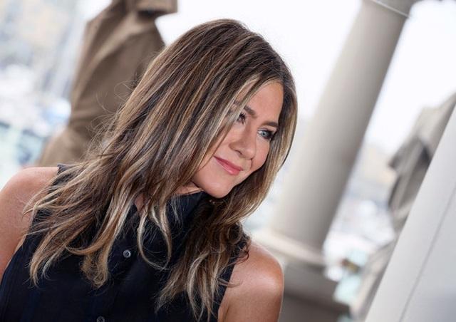 Jennifer Aniston vẫn trẻ đẹp ở tuổi ngũ tuần - 8