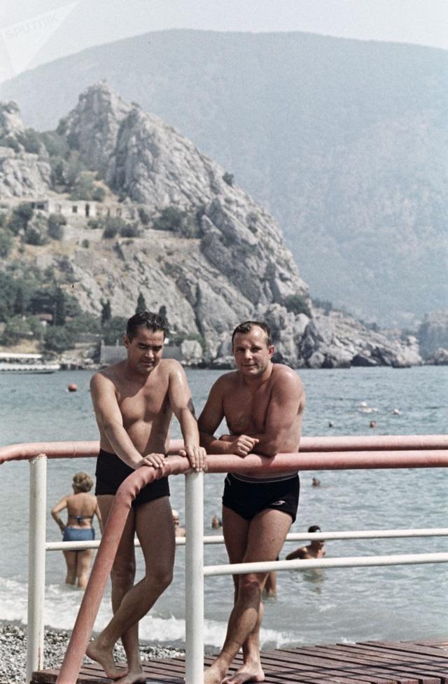 Ảnh hiếm về các hoạt động giải trí của giới trẻ Liên Xô trên bãi biển - 14