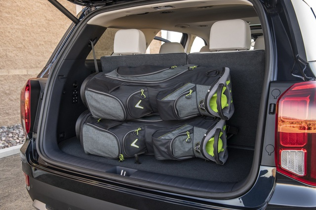 Hyundai Palisade cạnh tranh với Ford Explorer bằng giá bán - 11