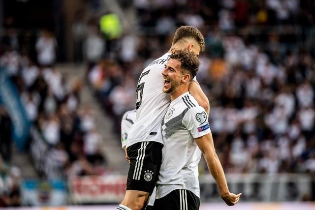 Đức đại thắng 8-0, Italia chật vật ngược dòng trước Bosnia