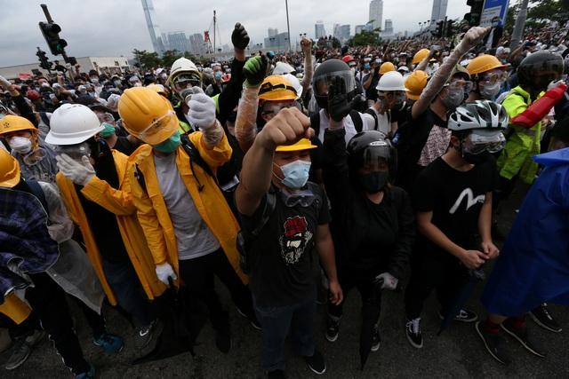 Làn sóng biểu tình tại Hong Kong giữa tranh cãi về dự luật dẫn độ - 15