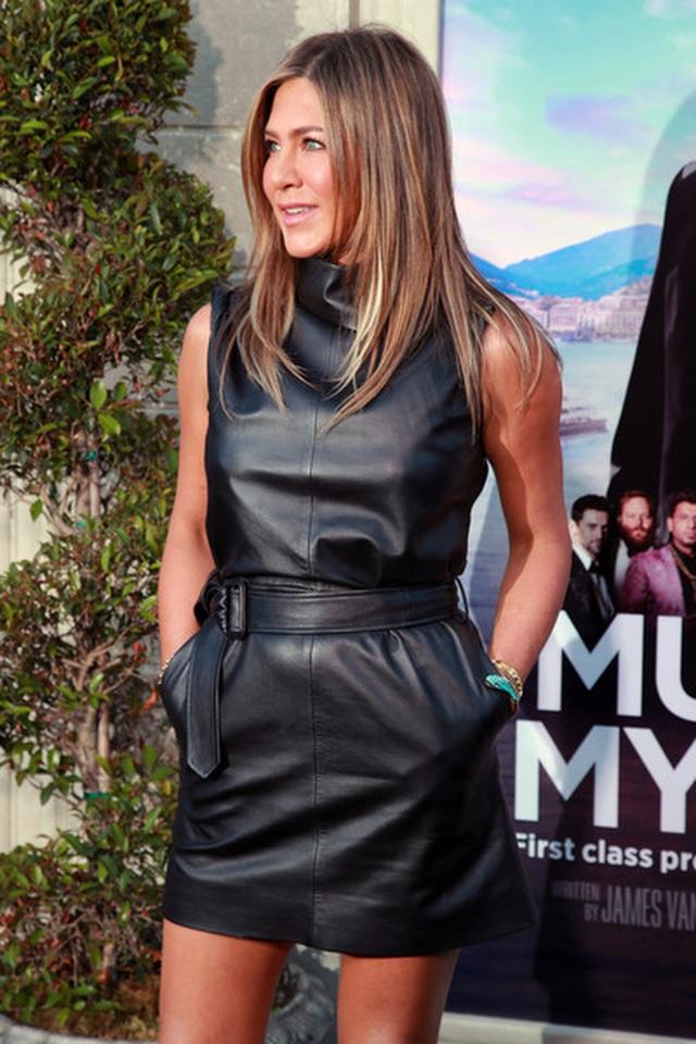 Jennifer Aniston vẫn trẻ đẹp ở tuổi ngũ tuần - 2
