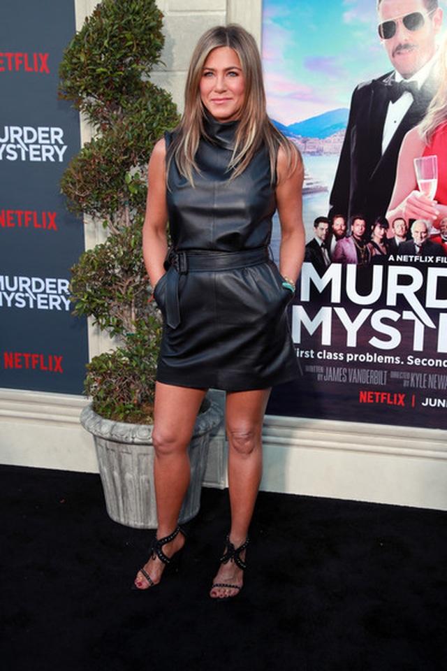 Jennifer Aniston vẫn trẻ đẹp ở tuổi ngũ tuần - 4
