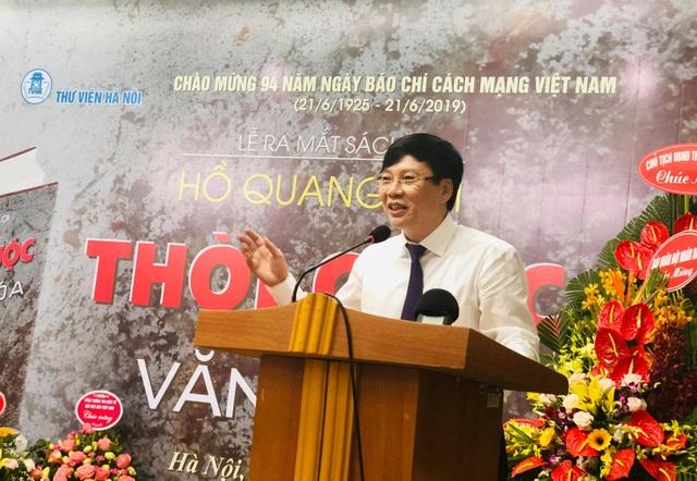 Nhà báo Hồ Quang Lợi ra mắt cuốn sách Thời cuộc và văn hóa - 1