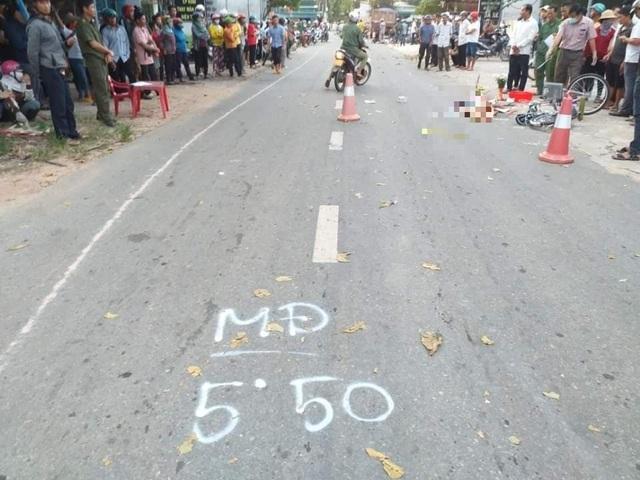 Bé gái lớp 4 đi xe đạp tử nạn dưới bánh xe ben - 1