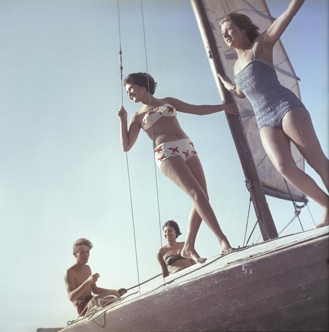 Ảnh hiếm về các hoạt động giải trí của giới trẻ Liên Xô trên bãi biển - 7