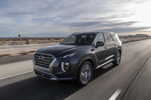 Hyundai Palisade cạnh tranh với Ford Explorer bằng giá bán - 1