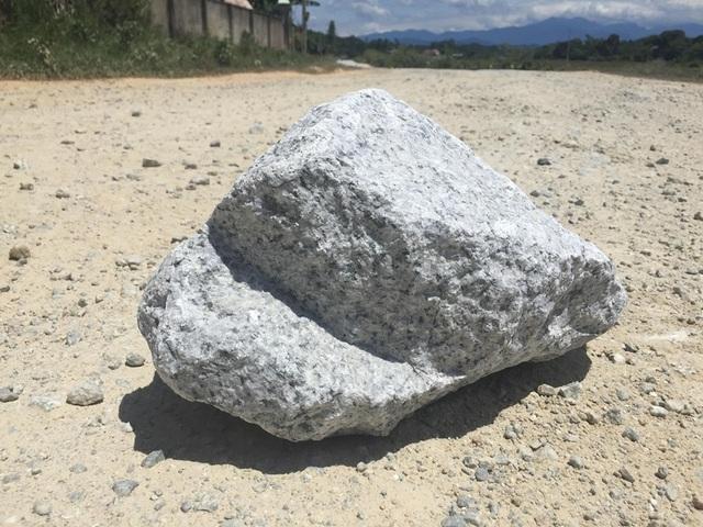 Hà Tĩnh: Người dân tiếp tục chặn xe vào mỏ đá để phản đối vì ô nhiễm - 3