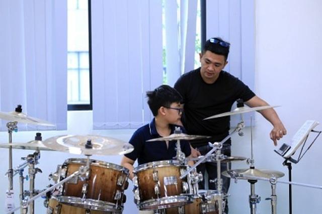 """Tay trống """"nhí"""" 13 tuổi giành giải Vàng tại Liên hoan Nghệ thuật Châu Á Thái Bình Dương - 2"""