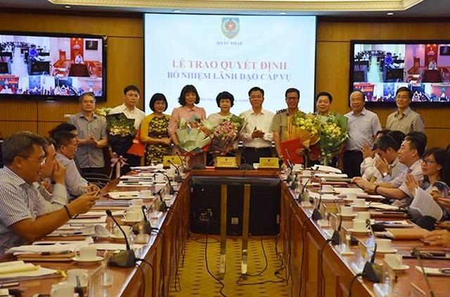 Bộ Tư pháp bổ nhiệm 6 lãnh đạo cấp Vụ - 1