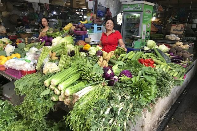 Thăm những ngôi chợ lâu đời nổi tiếng ở Hà Nội - 14