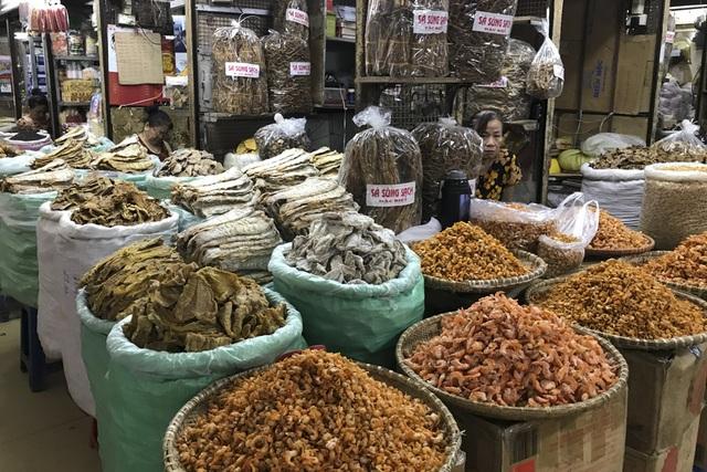 Thăm những ngôi chợ lâu đời nổi tiếng ở Hà Nội - 4