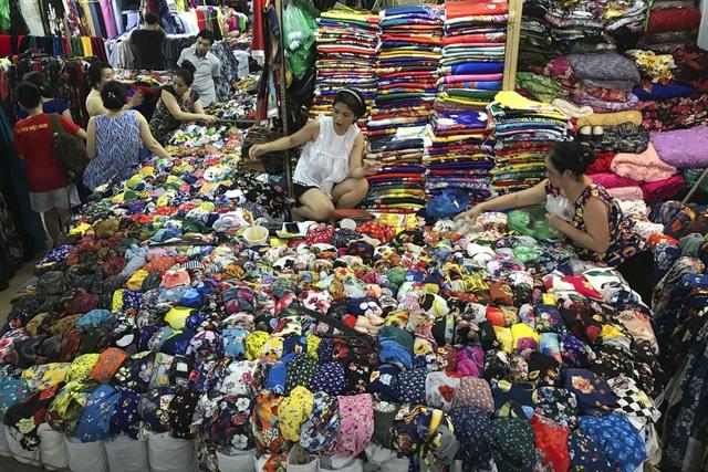 Thăm những ngôi chợ lâu đời nổi tiếng ở Hà Nội - 5