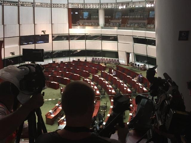Hong Kong hoãn thảo luận dự luật dẫn độ vì sức ép biểu tình - 2