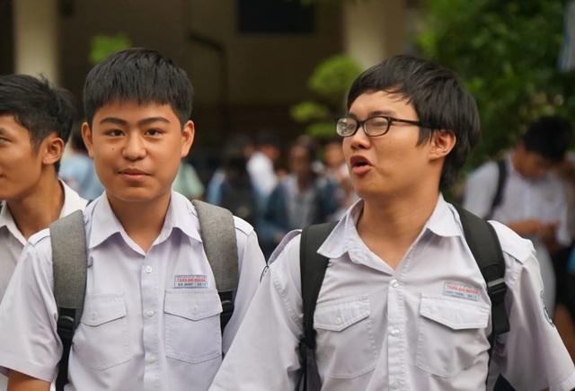 Điểm chuẩn nhiều lớp vào Trường Phổ thông Năng khiếu giảm mạnh - 1