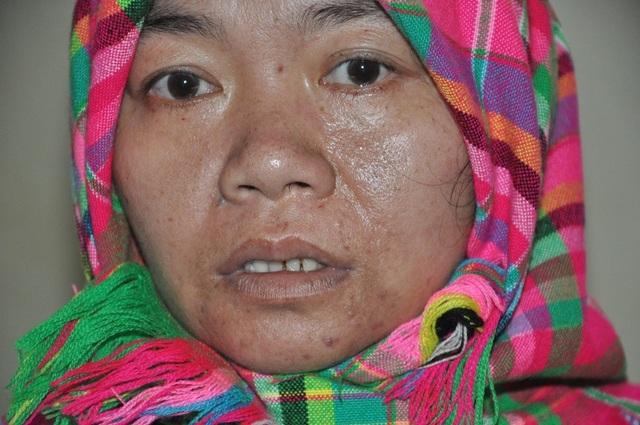Rớt nước mắt nữ sinh dân tộc Thái cầu xin làm thuê kiếm tiền chăm mẹ trong viện - 8