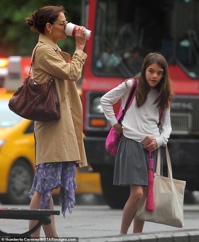 Hình ảnh hiếm hoi về con gái Tom Cruise - 2