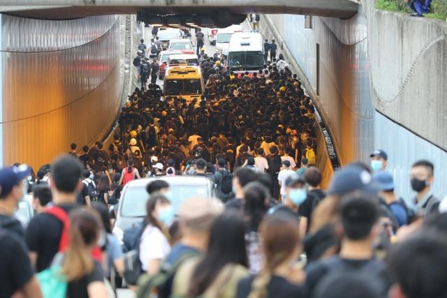Làn sóng biểu tình tại Hong Kong giữa tranh cãi về dự luật dẫn độ - 1