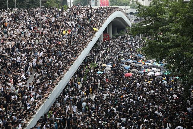 Làn sóng biểu tình tại Hong Kong giữa tranh cãi về dự luật dẫn độ - 14