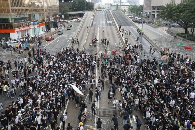 Làn sóng biểu tình tại Hong Kong giữa tranh cãi về dự luật dẫn độ - 9