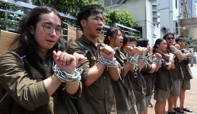 Người Hong Kong tập hợp biểu tình bằng cách nào? - 2